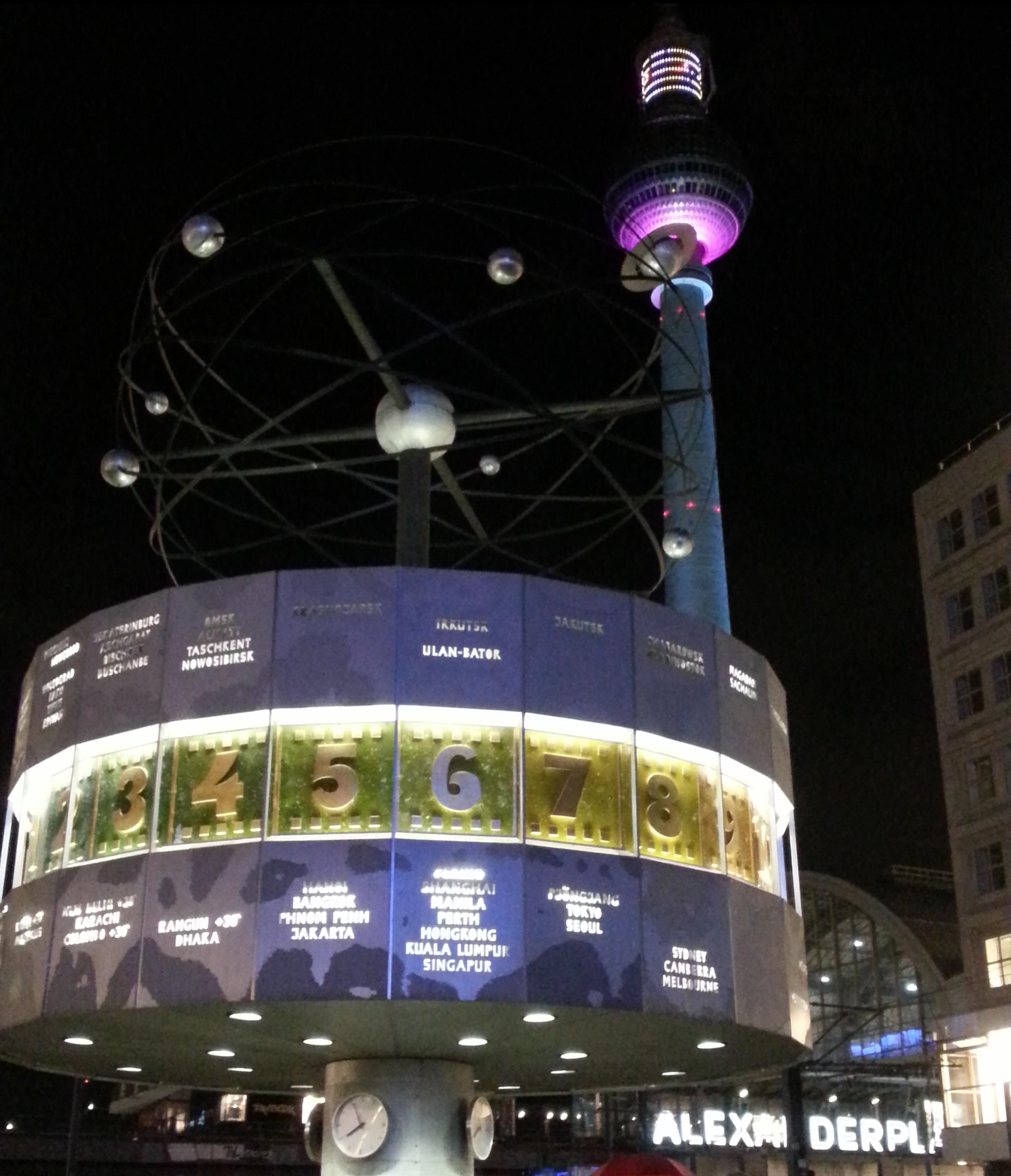 alexanderplatz berlin la nuit